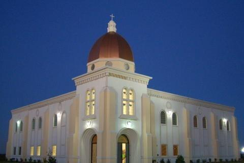 church_night_480.jpg